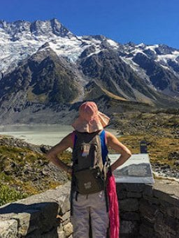 New Zealand hiking tours in Hooker Valley