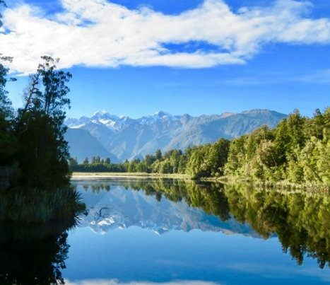 hiking for seniors world heritage at lake matheson2