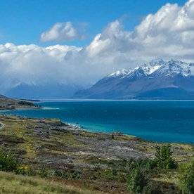 Lake Pukaki with Aoraki Mount Cook in the background, Canterbury New Zealand