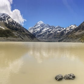 Hooker Lake and Aoraki Mt Cook, Canterbury New Zealand