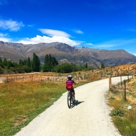 Easy trails with stunning surrounds on the Queenstown Trail.