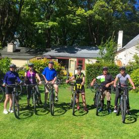 A quick group shot before heading off on our ride in Arrowtown