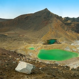 Check out the colour of the Emerald Lakes on the Tongariro Alpine Crossing New Zealand
