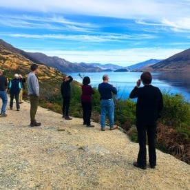 A quick photo stop on the banks of Lake Wanaka