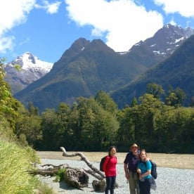 hollyford track hikers