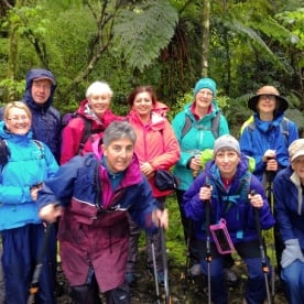 milford track hiking group