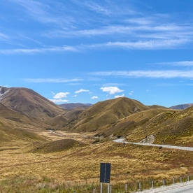 Lindis Pass Summit Scenic Look Out, Otago New Zealand