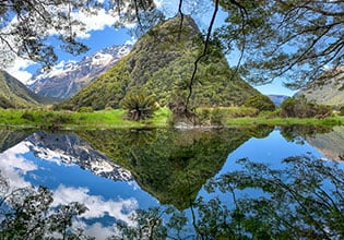 world heritage mirror lakes